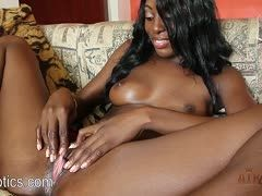 Schwarze Frauen masturbieren Porno